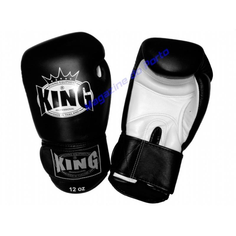 Luva de Muay Thai Profissional King (preta e branca)