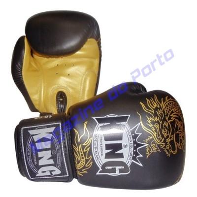 Luva de Muay Thai Profissional King (Preta e dourado)