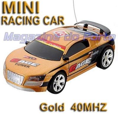 Carro Miniatura Controle Remoto Estilo HotWheels função total Audi R8