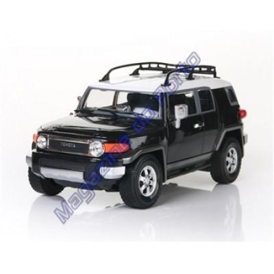 Carro Toyota Fjcruiser Controle Remoto Licenciado 1:16 4 Canais RC Preto